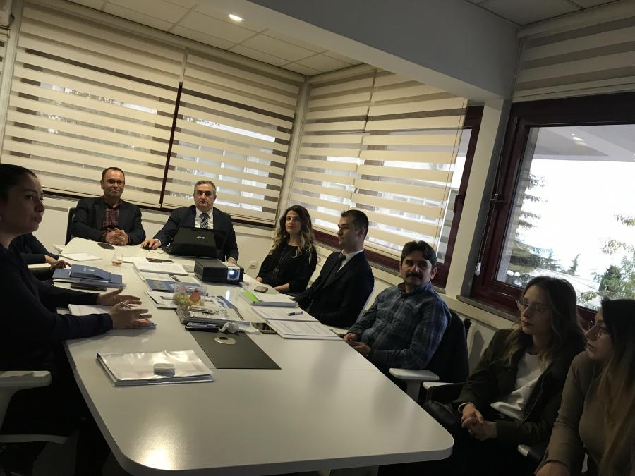 Stratejik Planlama Destek Ekibi, Kalite Komisyonu Üyesi Prof. Dr. Haydar AKYAZI ile durum analizi çalýþmalarýný deðerlendirdi. (11.10.2017)