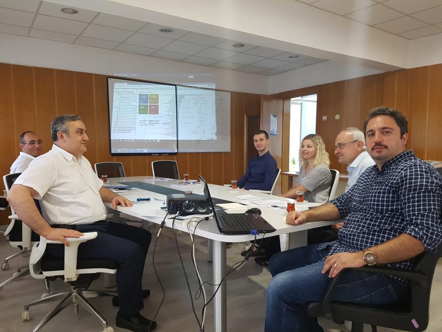 Stratejik Plan Destek Ekibi üyesi Bilg. Müh. Ayhan Murat, Stratejik Plan Bilgi Sisteminin yeni arayüzünü sunumuyla paylaþtý. (24.07.2017)